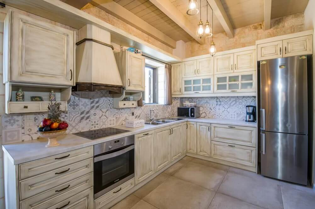 Fully equipped kitchen - Accommodation