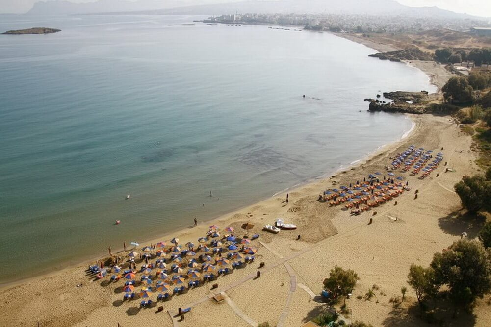 150 meters from the awarded Stalos beach